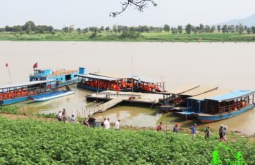 Boat trip to see floating village